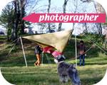 木の上のカメラマン