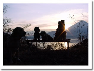 富士山をバックに記念撮影